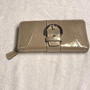 Like new Coach wallet Gold Metallic wallet